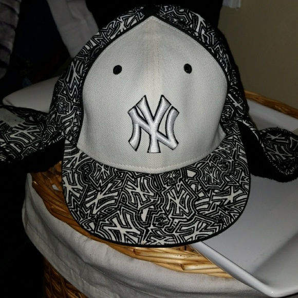 025afb99c NY hat with ear flaps